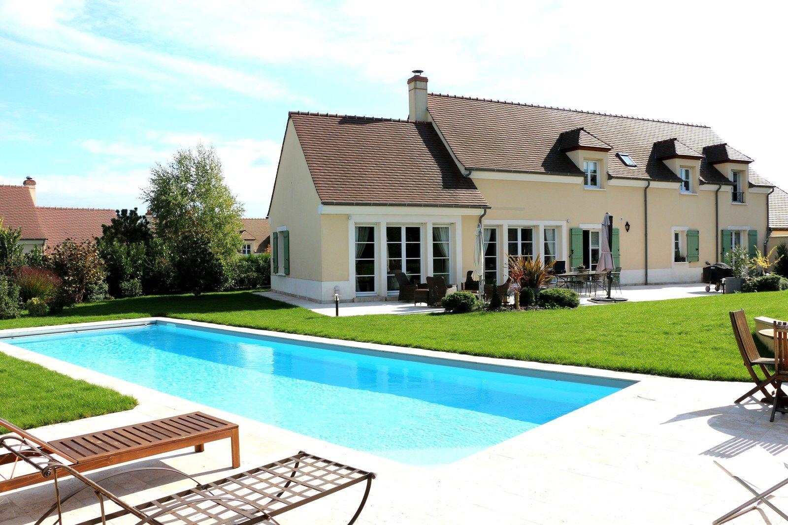 Notre avis d 39 expert l 39 esprit long re dans un villa for Achat maison neuve 77